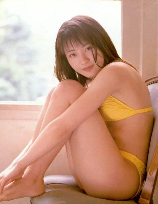 【新山千春グラビア画像】40歳が目前なのに美しさを維持している元グラドルが凄いwwww 29