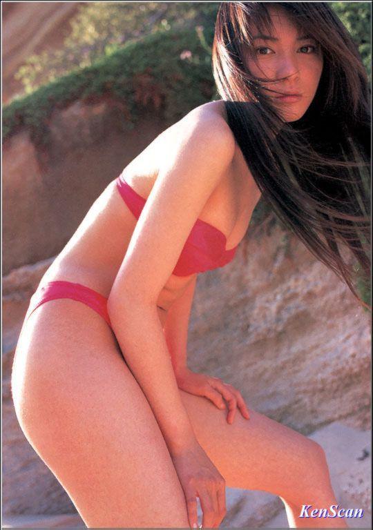 【新山千春グラビア画像】40歳が目前なのに美しさを維持している元グラドルが凄いwwww 36