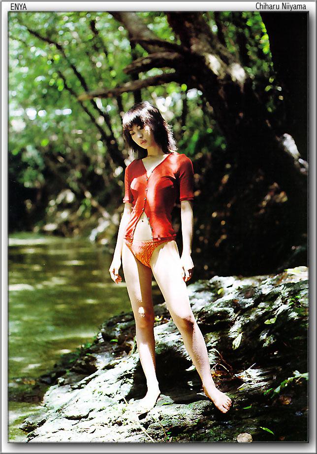【新山千春グラビア画像】40歳が目前なのに美しさを維持している元グラドルが凄いwwww 68