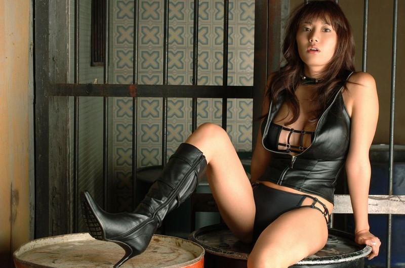 【海江田純子グラビア画像】Gカップバストにくびれウエストの曲線ボディがエロい! 06