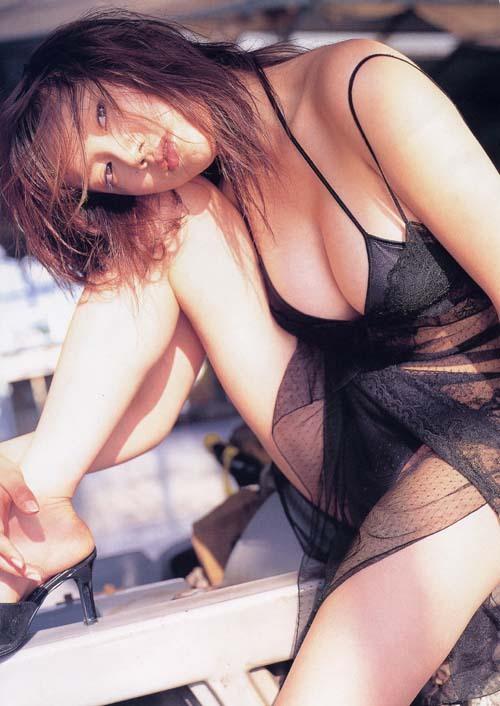 【海江田純子グラビア画像】Gカップバストにくびれウエストの曲線ボディがエロい! 10