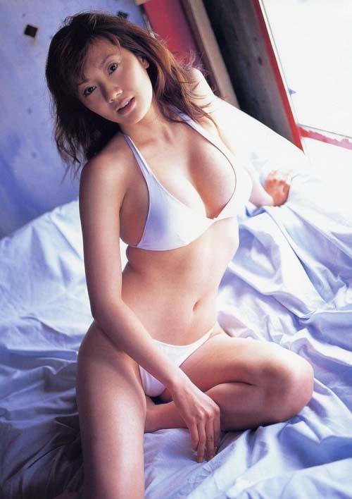 【海江田純子グラビア画像】Gカップバストにくびれウエストの曲線ボディがエロい! 11