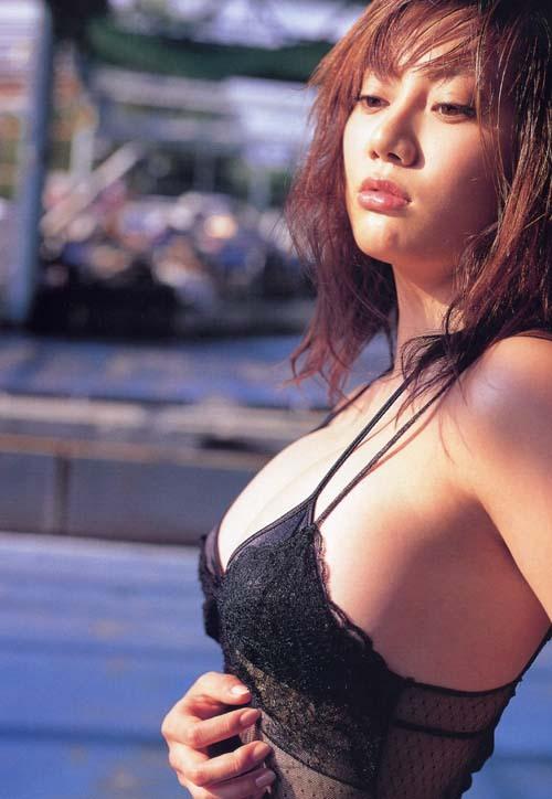 【海江田純子グラビア画像】Gカップバストにくびれウエストの曲線ボディがエロい! 14