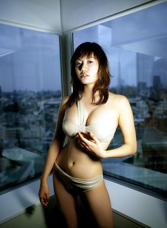 【海江田純子グラビア画像】Gカップバストにくびれウエストの曲線ボディがエロい! 25
