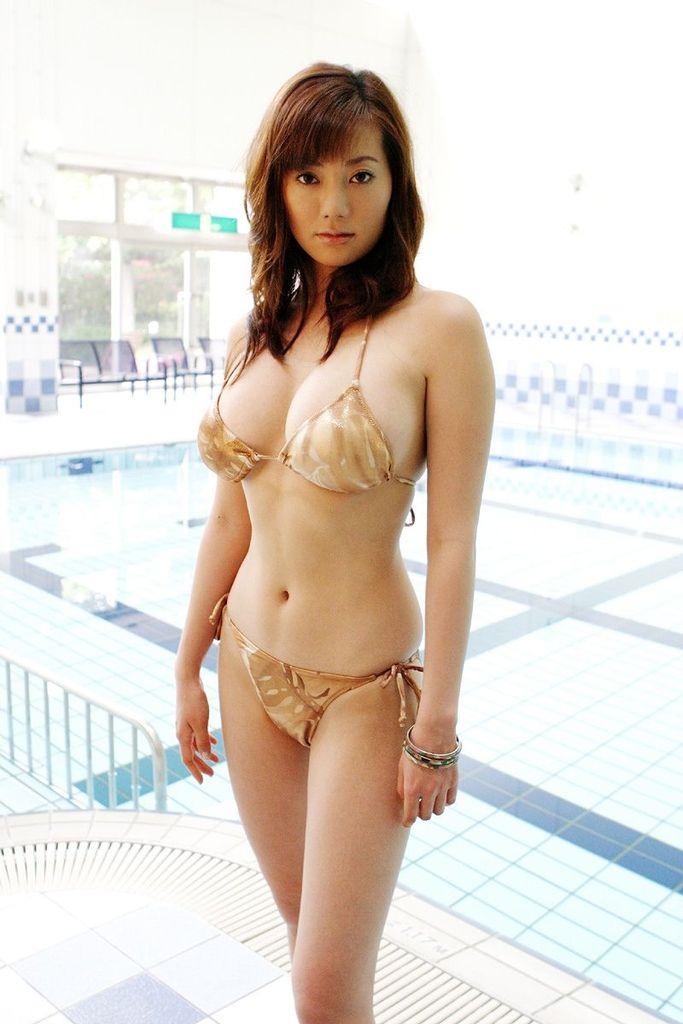 【海江田純子グラビア画像】Gカップバストにくびれウエストの曲線ボディがエロい! 51