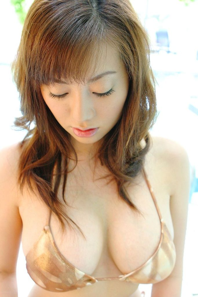 【海江田純子グラビア画像】Gカップバストにくびれウエストの曲線ボディがエロい! 52