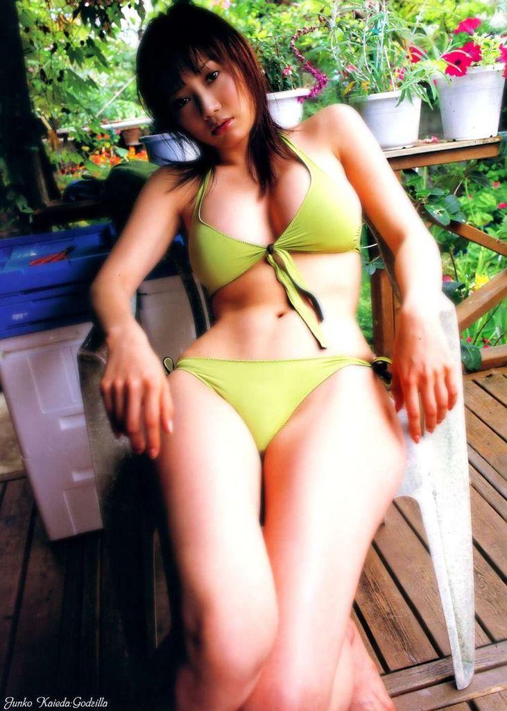 【海江田純子グラビア画像】Gカップバストにくびれウエストの曲線ボディがエロい! 67