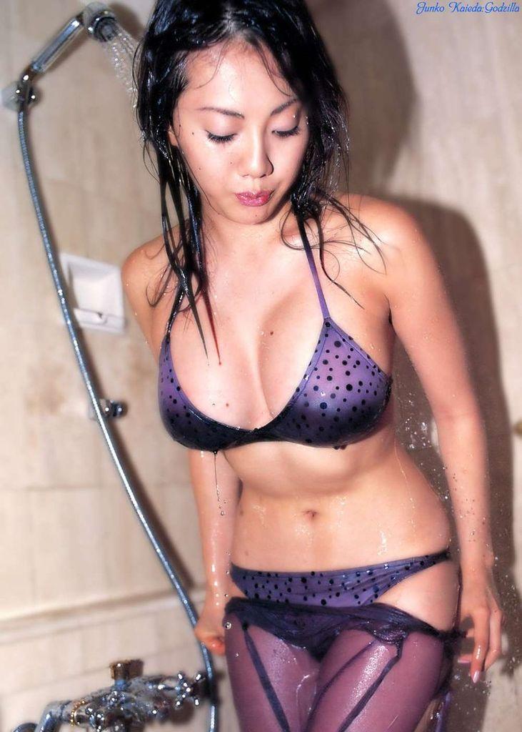 【海江田純子グラビア画像】Gカップバストにくびれウエストの曲線ボディがエロい! 68
