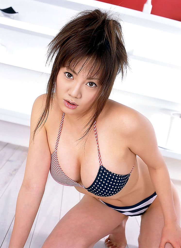【海江田純子グラビア画像】Gカップバストにくびれウエストの曲線ボディがエロい! 73