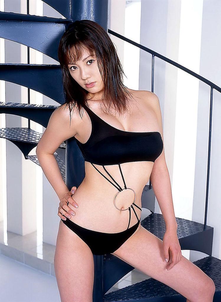 【海江田純子グラビア画像】Gカップバストにくびれウエストの曲線ボディがエロい! 74