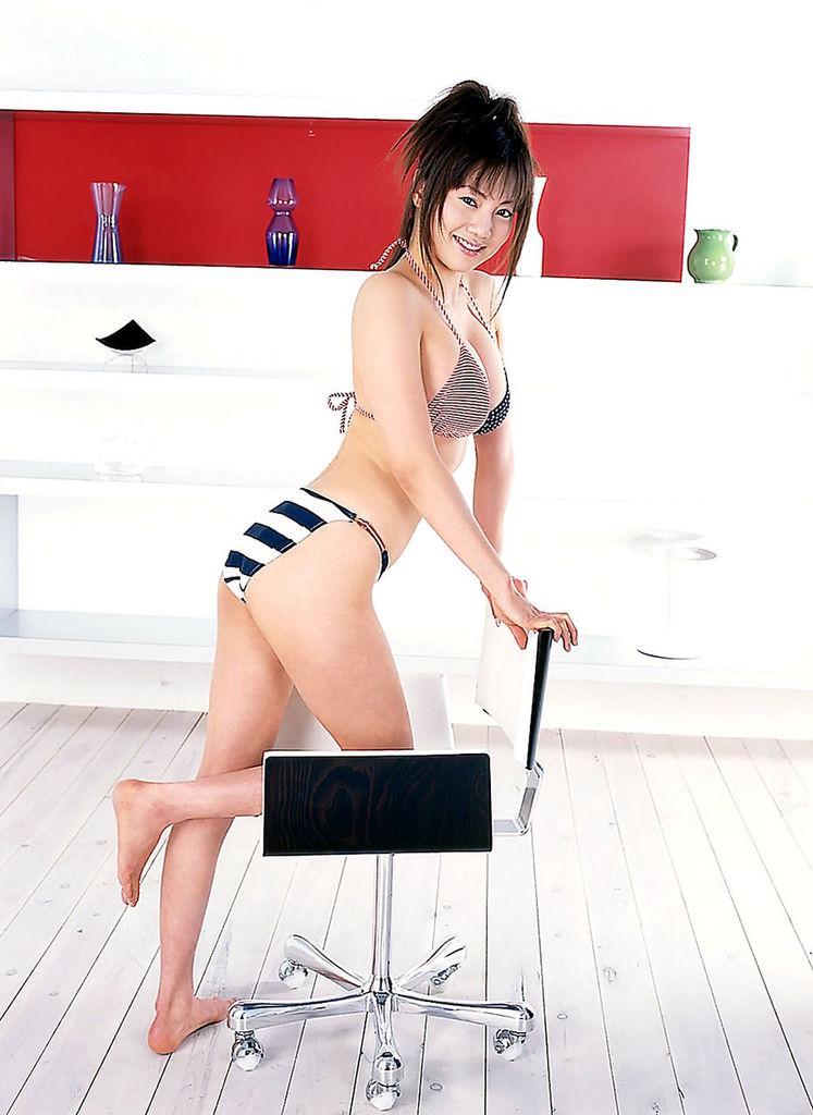 【海江田純子グラビア画像】Gカップバストにくびれウエストの曲線ボディがエロい! 77