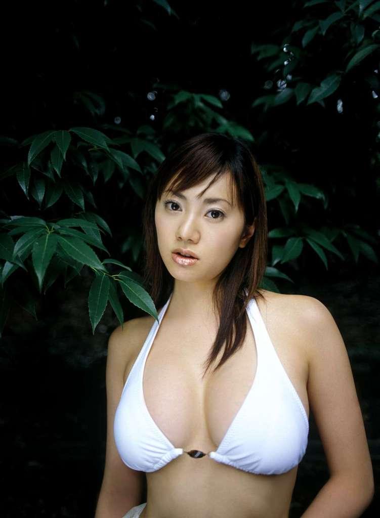 【海江田純子グラビア画像】Gカップバストにくびれウエストの曲線ボディがエロい! 78
