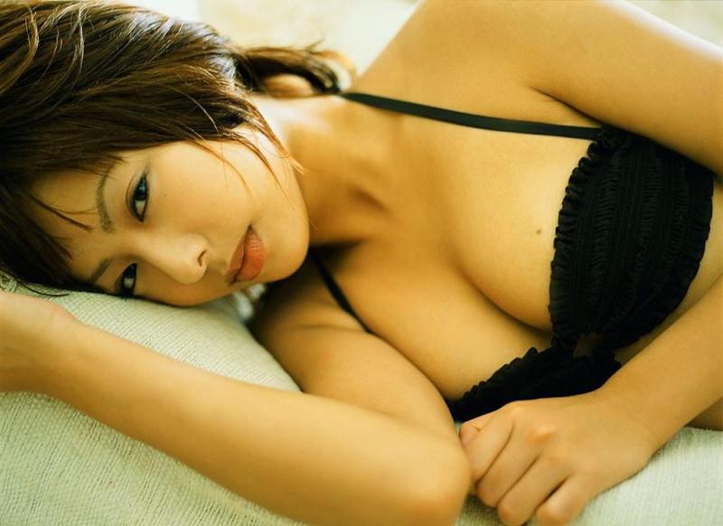 【倉本清子グラビア画像】和希沙也名義で活動していた時代のセクシービキニ写真 08