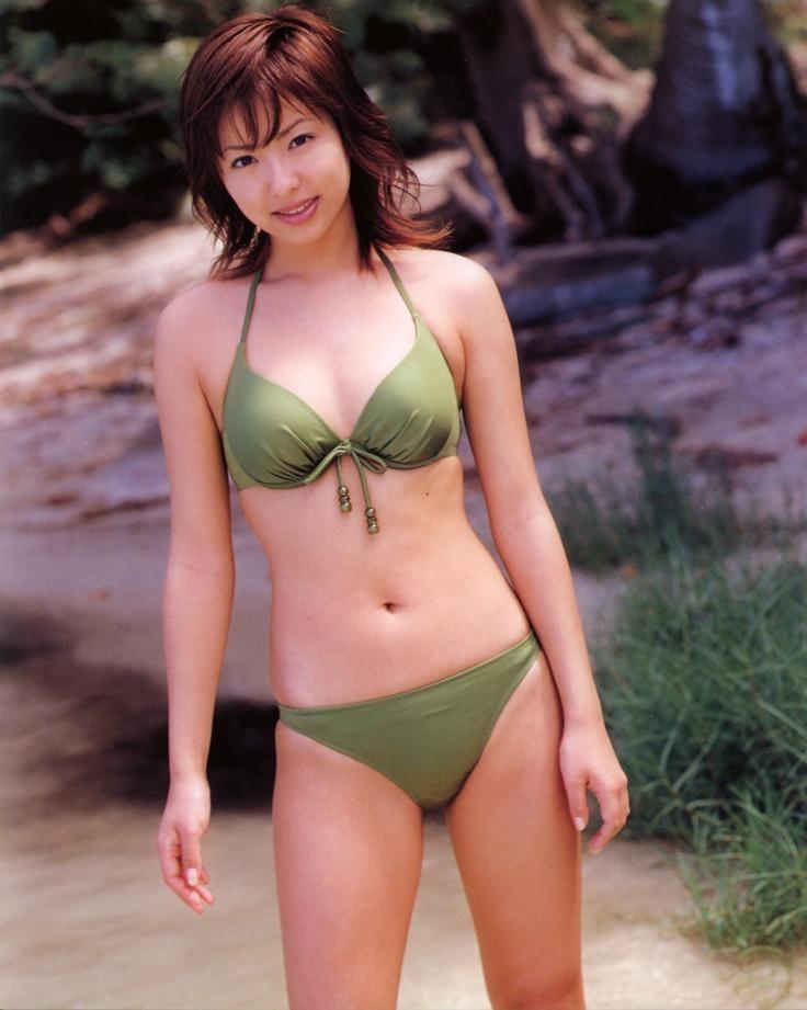 【倉本清子グラビア画像】和希沙也名義で活動していた時代のセクシービキニ写真 22