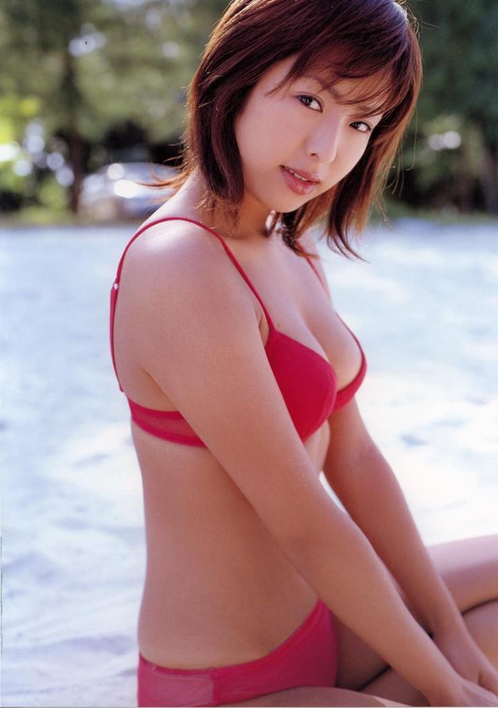 【倉本清子グラビア画像】和希沙也名義で活動していた時代のセクシービキニ写真 26
