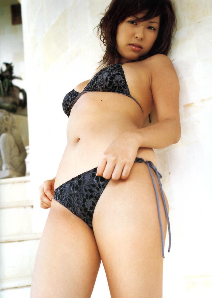 【倉本清子グラビア画像】和希沙也名義で活動していた時代のセクシービキニ写真 37