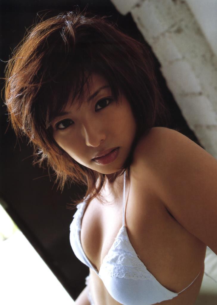 【倉本清子グラビア画像】和希沙也名義で活動していた時代のセクシービキニ写真 43