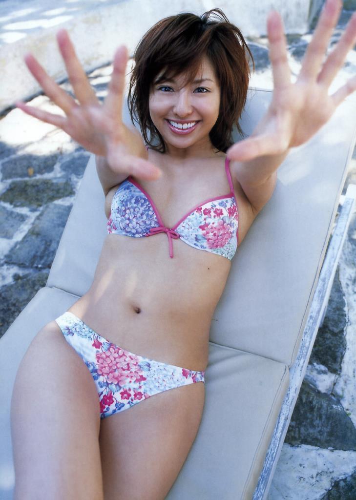 【倉本清子グラビア画像】和希沙也名義で活動していた時代のセクシービキニ写真 44