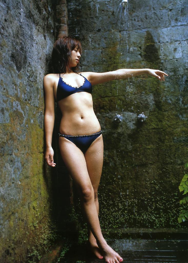【倉本清子グラビア画像】和希沙也名義で活動していた時代のセクシービキニ写真 47