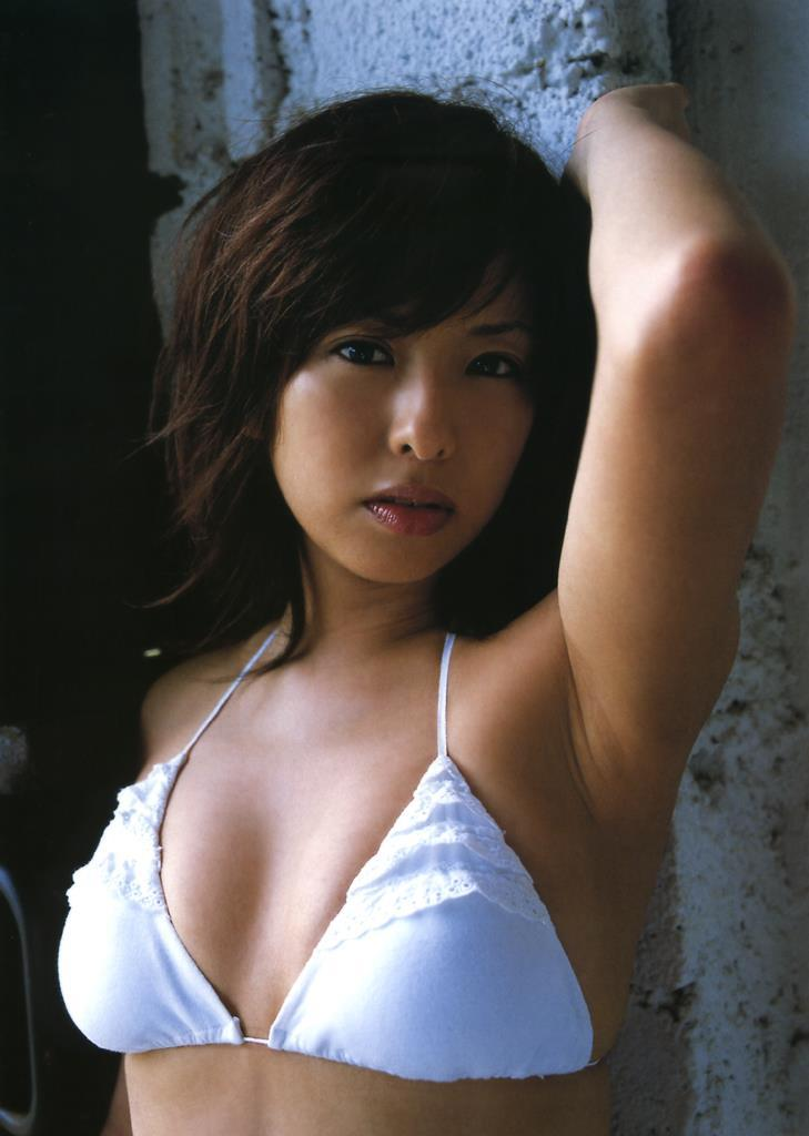 【倉本清子グラビア画像】和希沙也名義で活動していた時代のセクシービキニ写真 48