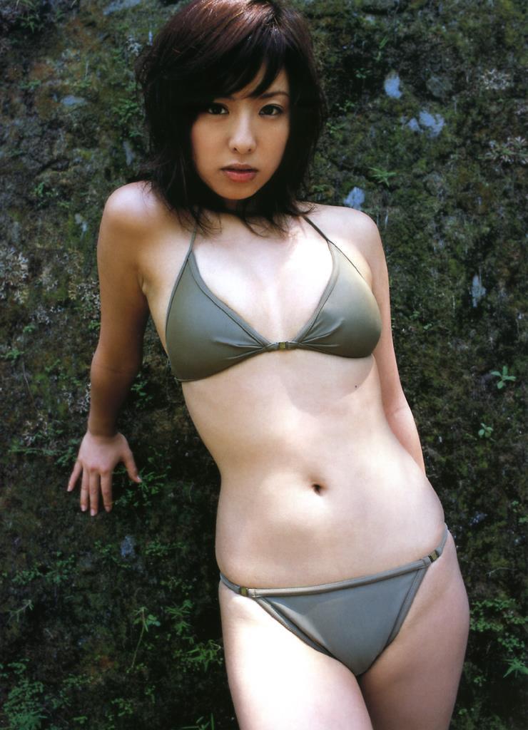 【倉本清子グラビア画像】和希沙也名義で活動していた時代のセクシービキニ写真 60