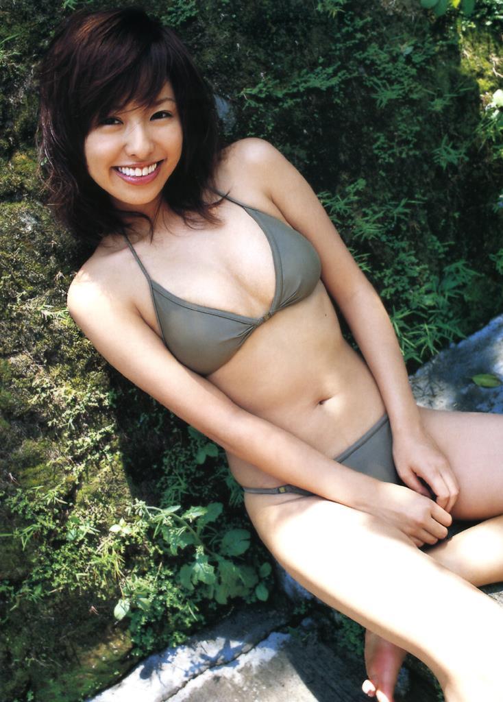 【倉本清子グラビア画像】和希沙也名義で活動していた時代のセクシービキニ写真 61