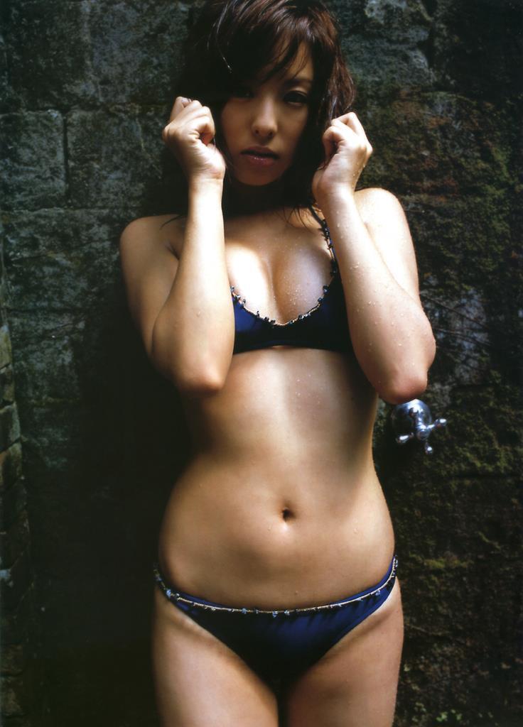 【倉本清子グラビア画像】和希沙也名義で活動していた時代のセクシービキニ写真 70