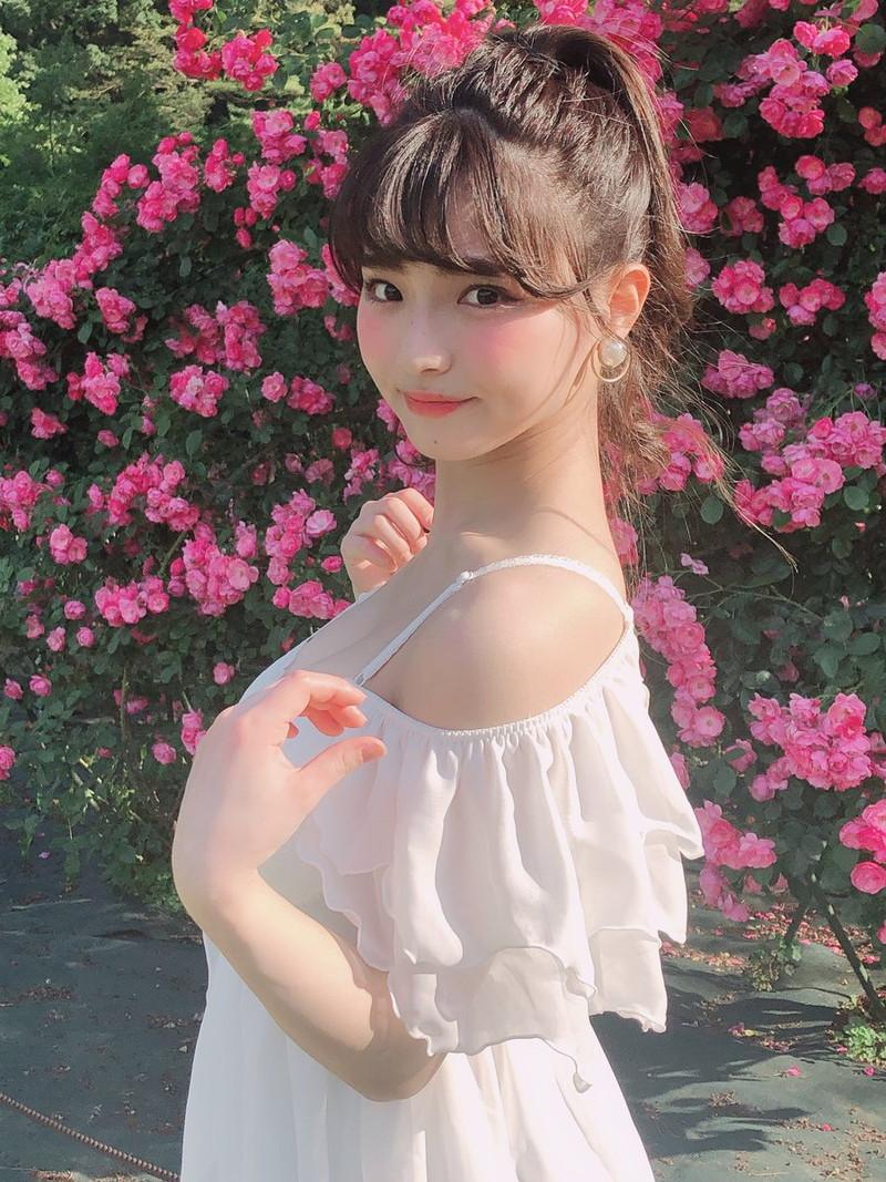 【片岡沙耶エロ画像】下乳天使はフリーランスになって更に羽ばたく事が出来るのか? 34