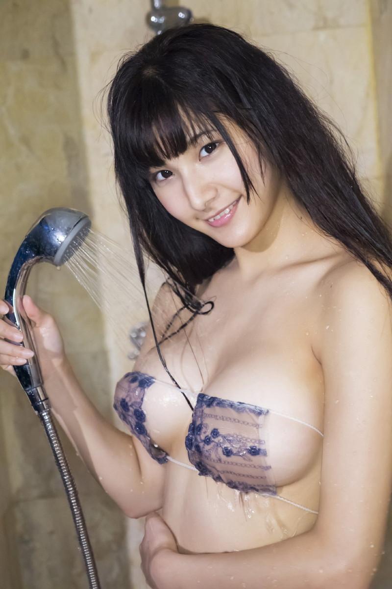 【彩川ひなのグラビア画像】Fカップ巨乳も良いけどウエスト55cmのクビレ腰がたまらん! 42