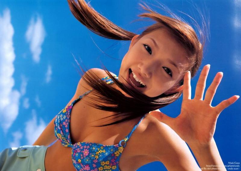 【後藤真希お宝画像】元モー娘。ゴマキがビキニ姿で元気いっぱいで若々しい写真など