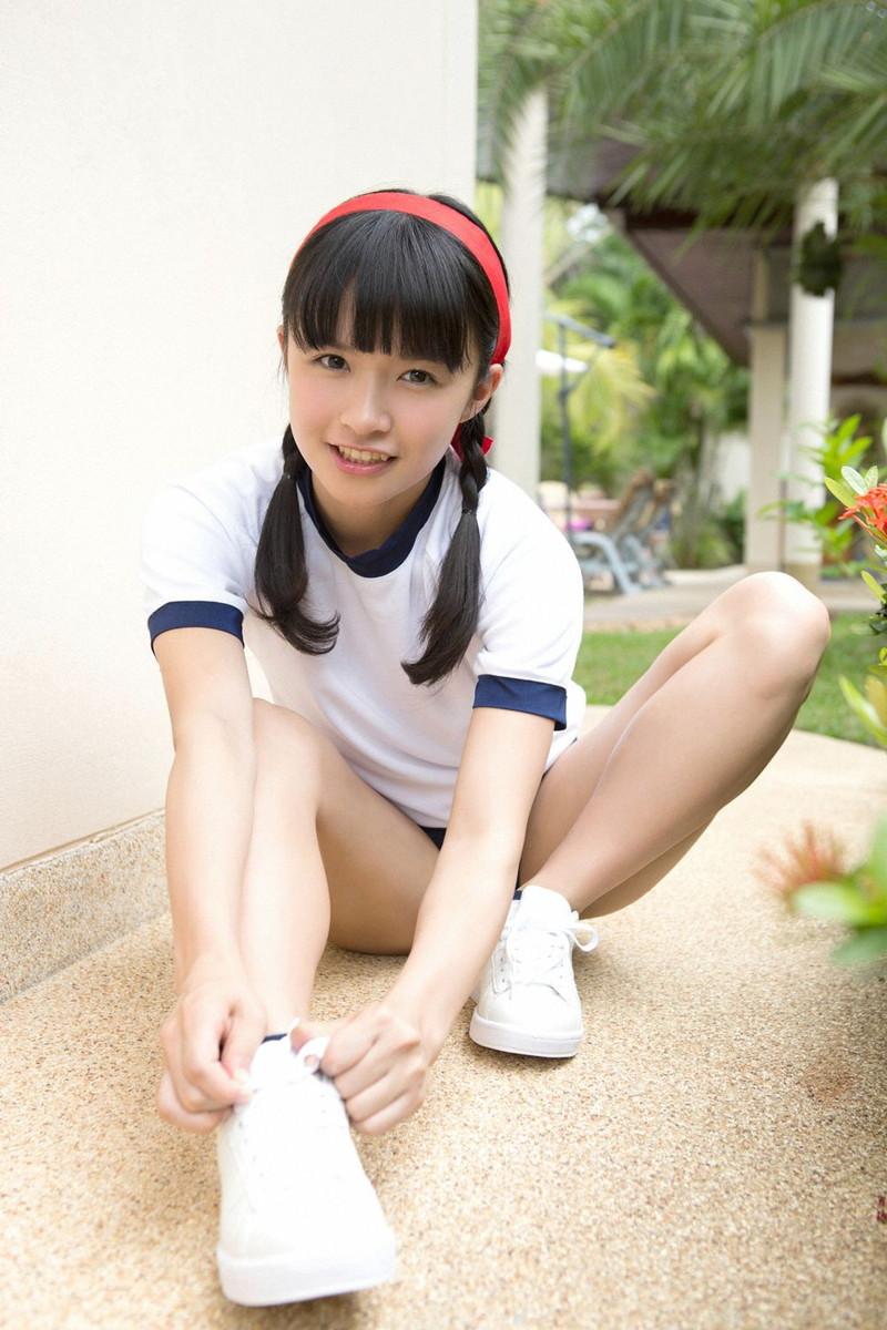 【百川晴香グラビア画像】アイドルグループのリーダーが魅せる可愛くてエッチな姿 12