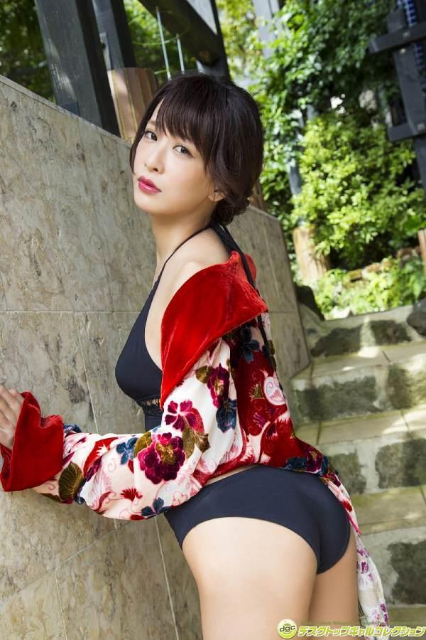 【神室舞衣グラビア画像】スレンダーなくびれボディが綺麗でエロくて尻もたまらん! 16