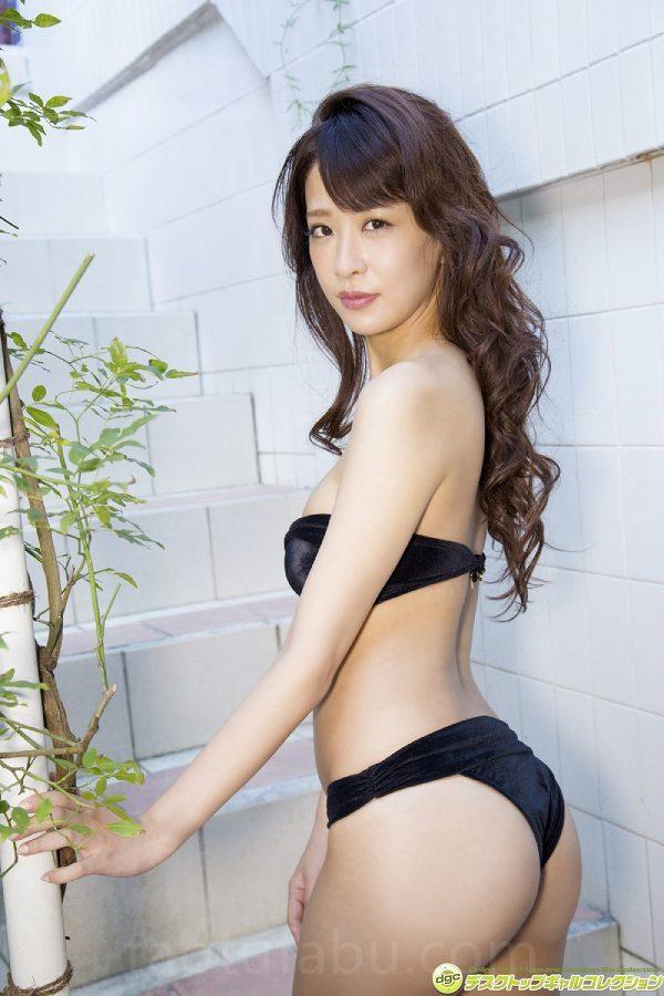 【神室舞衣グラビア画像】スレンダーなくびれボディが綺麗でエロくて尻もたまらん! 18