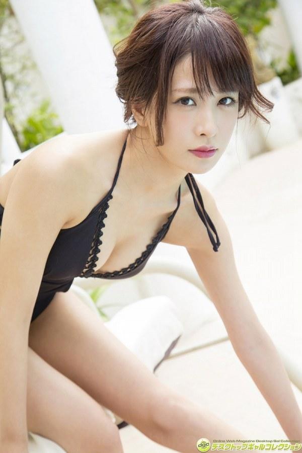 【神室舞衣グラビア画像】スレンダーなくびれボディが綺麗でエロくて尻もたまらん! 27