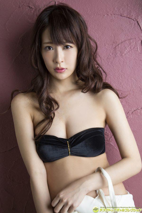 【神室舞衣グラビア画像】スレンダーなくびれボディが綺麗でエロくて尻もたまらん! 38