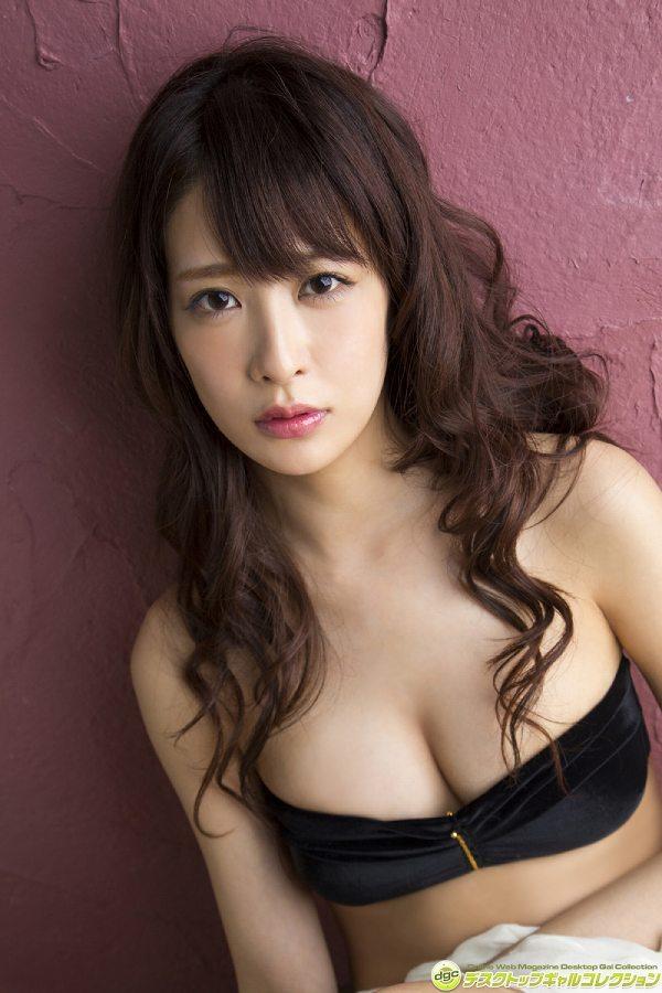 【神室舞衣グラビア画像】スレンダーなくびれボディが綺麗でエロくて尻もたまらん! 39
