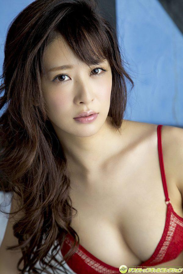 【神室舞衣グラビア画像】スレンダーなくびれボディが綺麗でエロくて尻もたまらん! 49