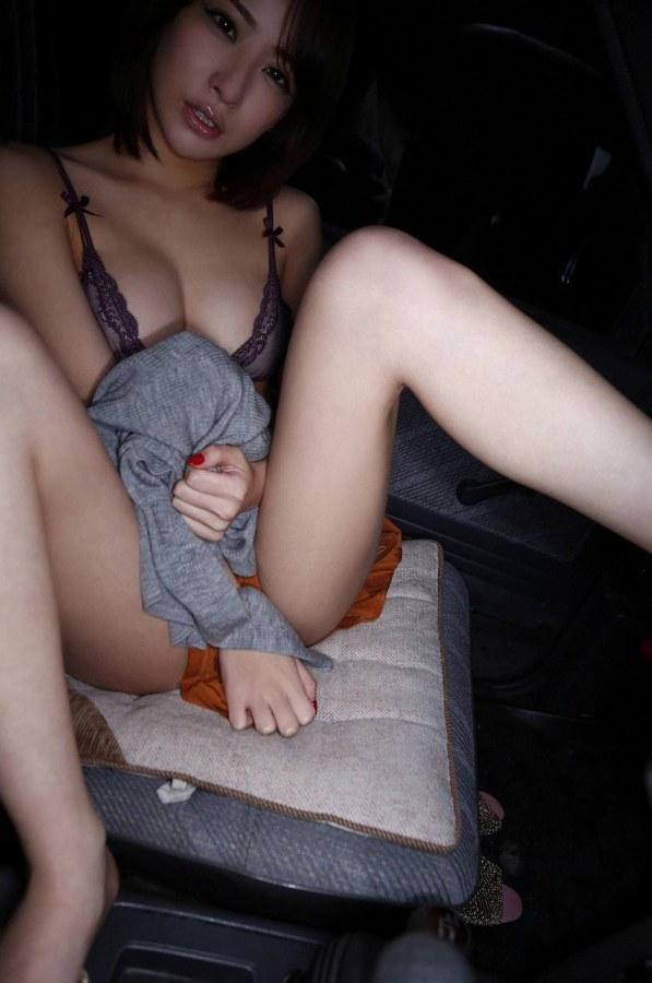 【神室舞衣グラビア画像】スレンダーなくびれボディが綺麗でエロくて尻もたまらん! 65