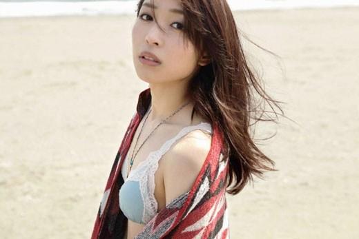 【黒川芽以お宝画像】子役時代から今でも現役で活躍しているベテラン女優の水着姿 21
