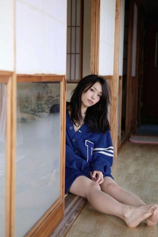【黒川芽以お宝画像】子役時代から今でも現役で活躍しているベテラン女優の水着姿 30