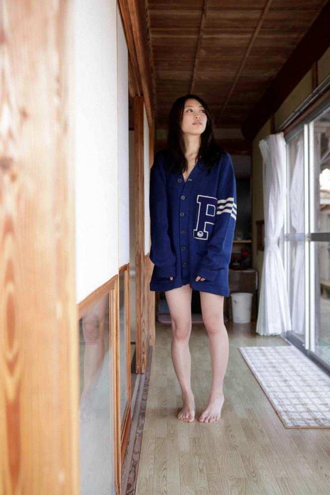 【黒川芽以お宝画像】子役時代から今でも現役で活躍しているベテラン女優の水着姿 32