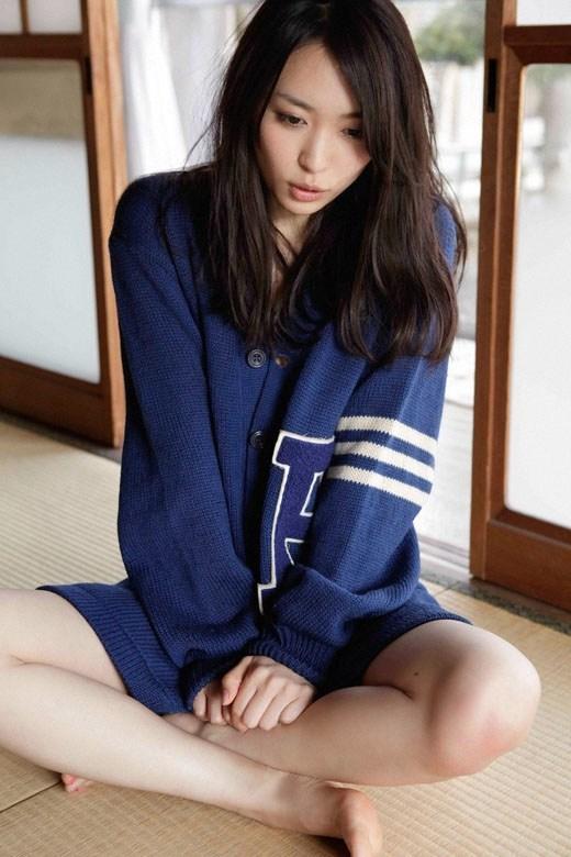 【黒川芽以お宝画像】子役時代から今でも現役で活躍しているベテラン女優の水着姿 33