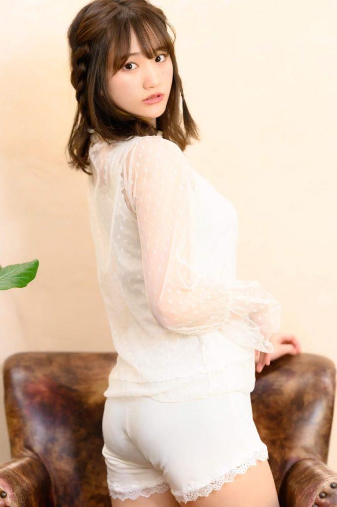 【そよんエロ画像】生まれも育ちも東京の韓国人モデルが披露するエロカワ写真 09
