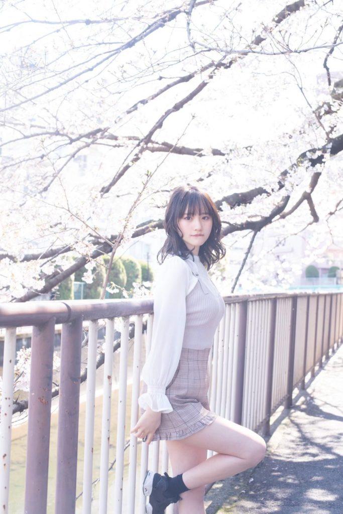 【そよんエロ画像】生まれも育ちも東京の韓国人モデルが披露するエロカワ写真 16