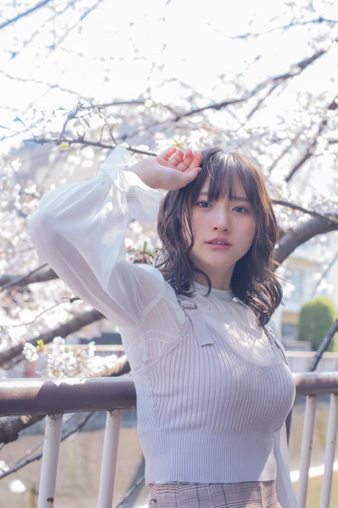 【そよんエロ画像】生まれも育ちも東京の韓国人モデルが披露するエロカワ写真 17