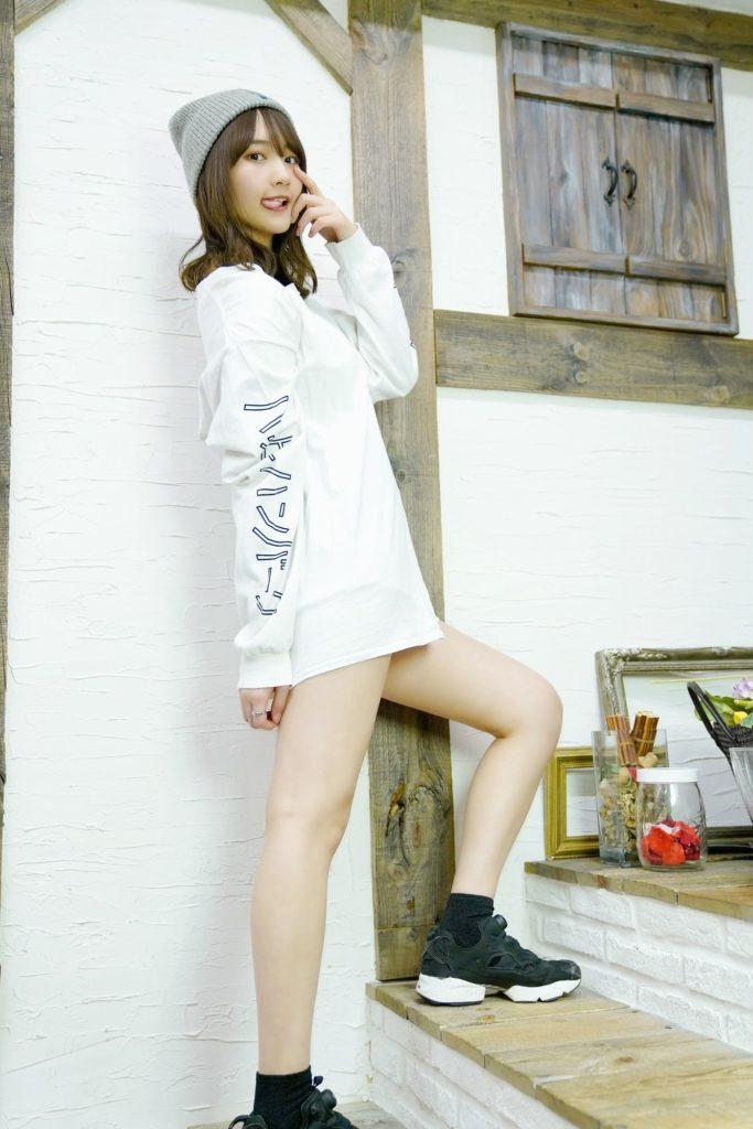 【そよんエロ画像】生まれも育ちも東京の韓国人モデルが披露するエロカワ写真 23