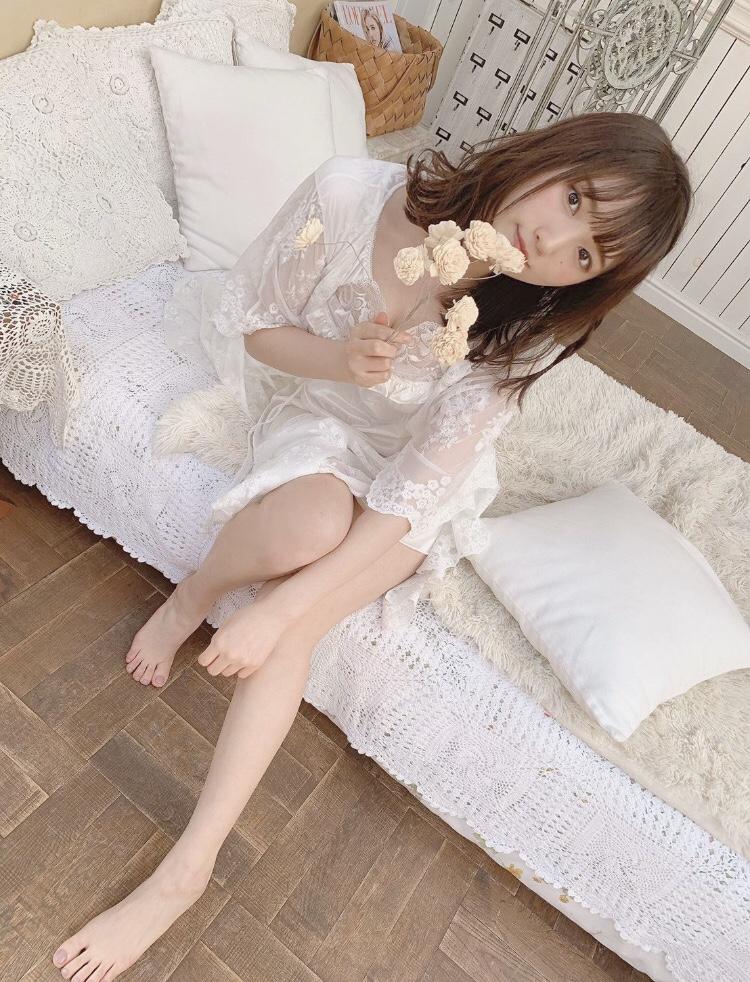 【そよんエロ画像】生まれも育ちも東京の韓国人モデルが披露するエロカワ写真 46