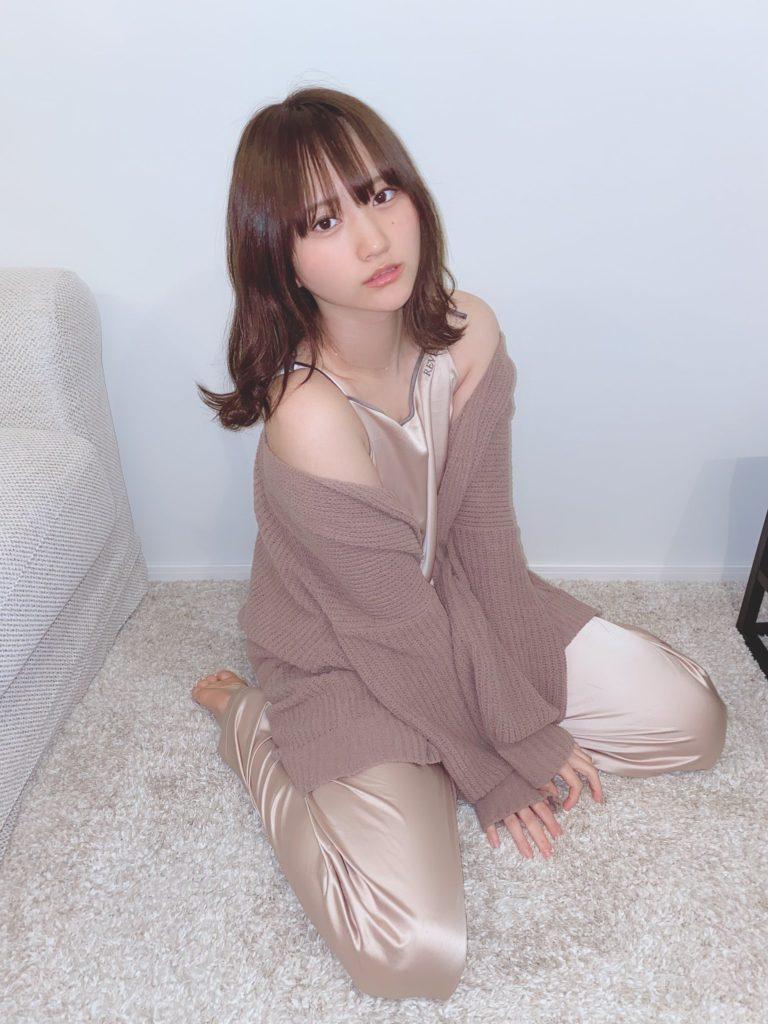 【そよんエロ画像】生まれも育ちも東京の韓国人モデルが披露するエロカワ写真 53