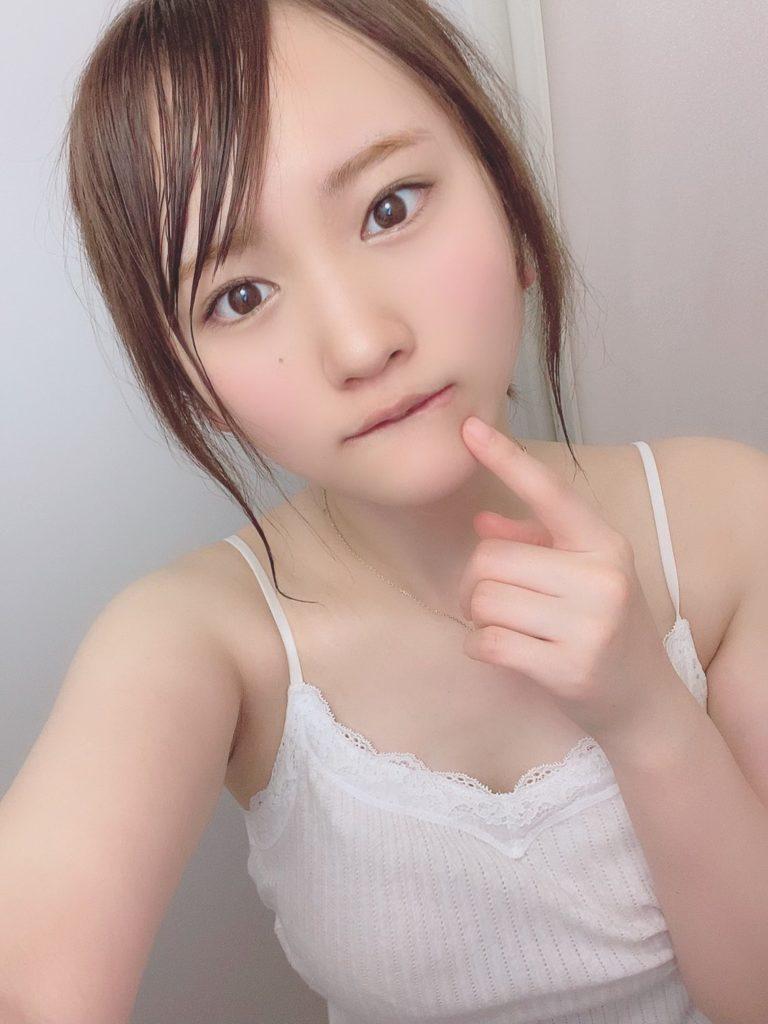 【そよんエロ画像】生まれも育ちも東京の韓国人モデルが披露するエロカワ写真 63