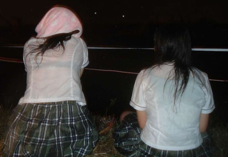 【夏服JK画像】白いブラウスから薄っすらと透けて見えるブラって良いよね 06